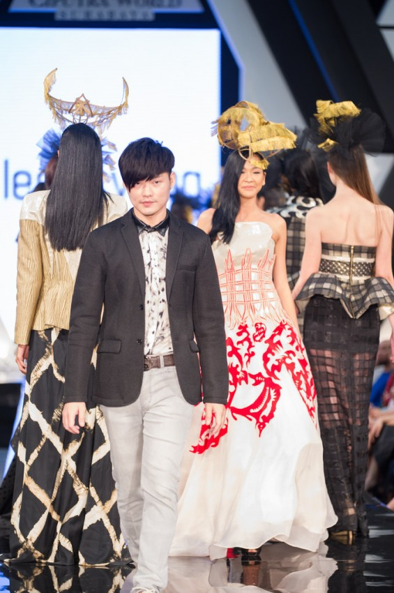 21389885723_a591b6a291_b Raffles Fashion Designer Leslie Yong Stole The Show At Ciputra World Fashion Week 2014